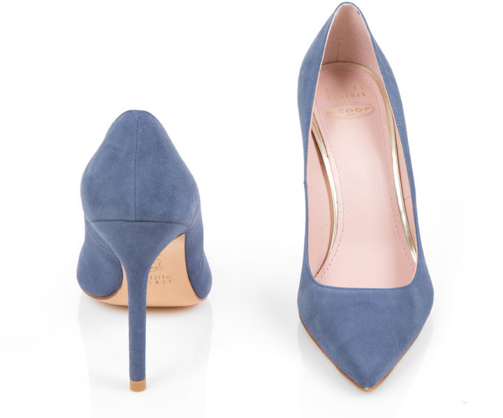 Meghan Markle Stuart Weitzman Scoop Suede Shoes