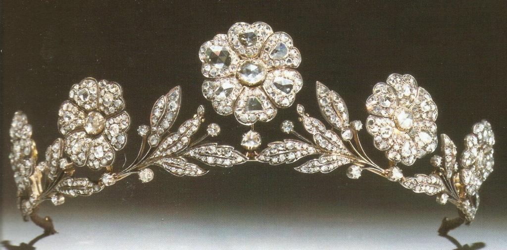 Meghan Markle Royal Wedding Tiara Strathmore