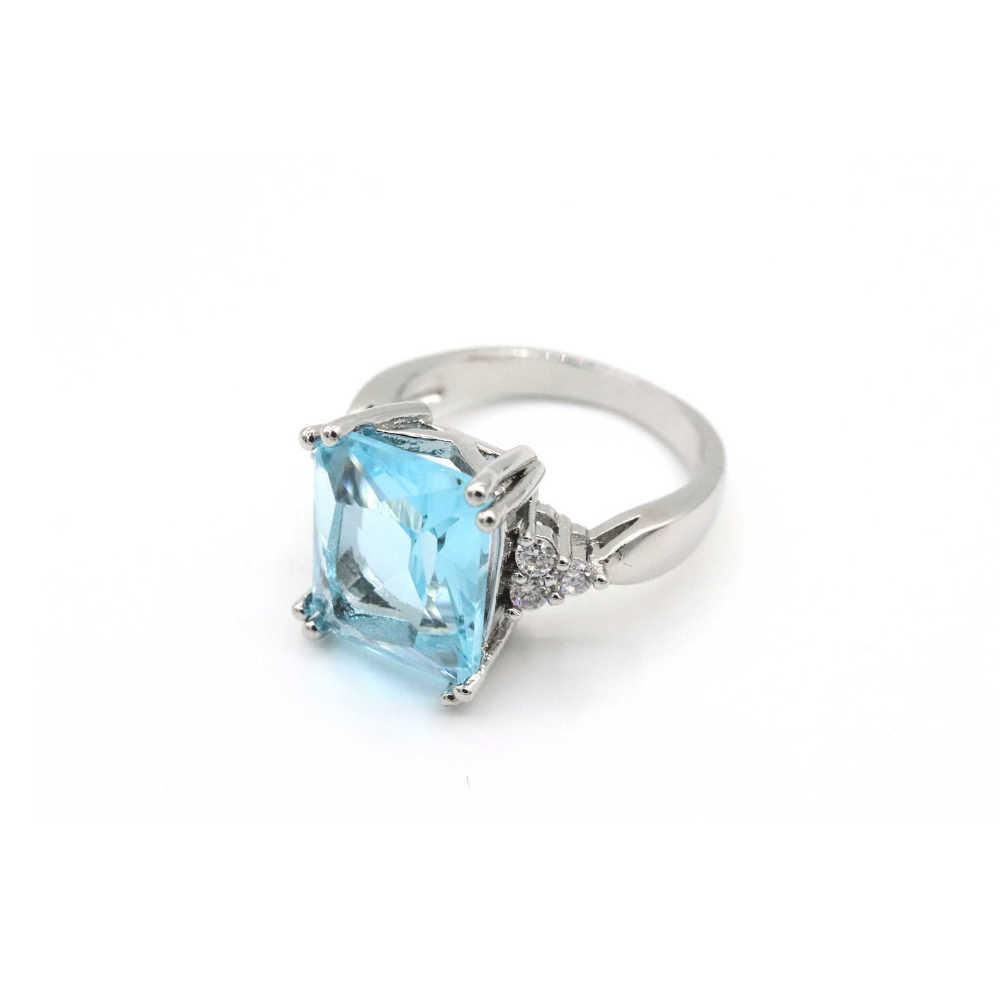princess diana s aquamarine ring meghan s mirror meghan s mirror