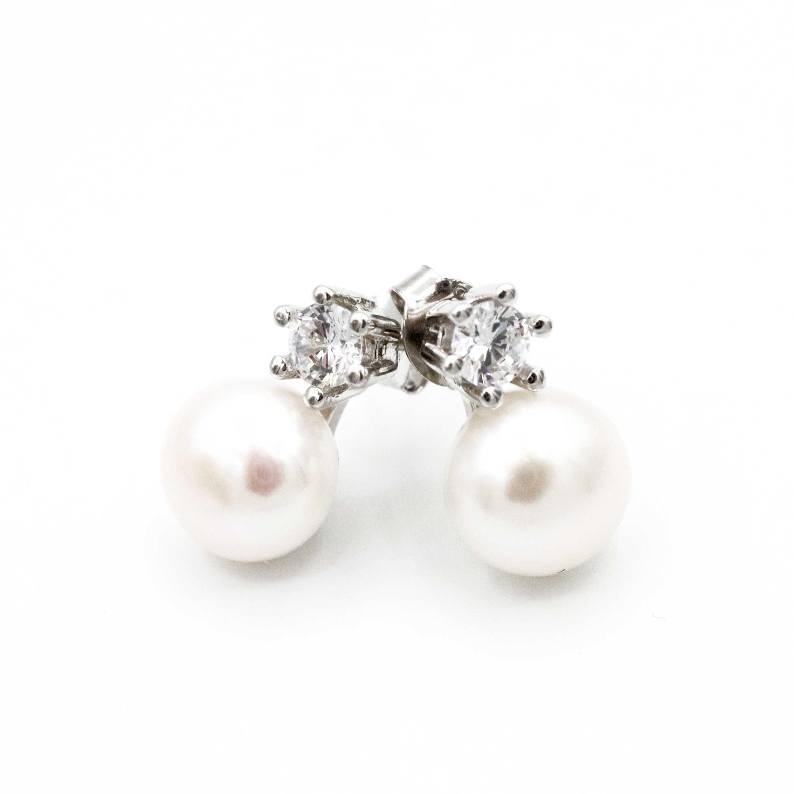 Diamond And Pearl Earrings Meghan S Mirror