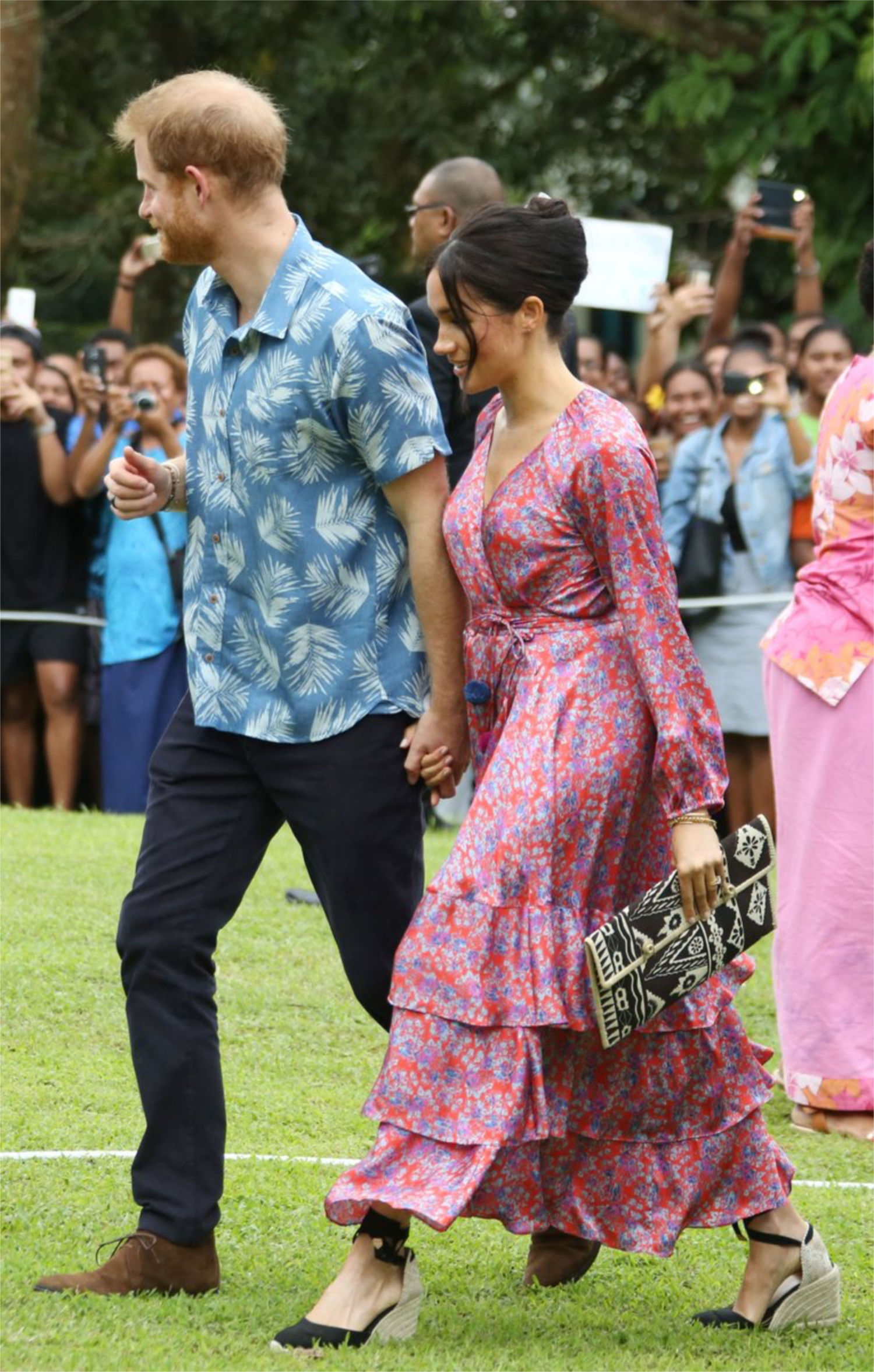 626d3787772 Meghan & Harry Visit the University of the South Pacific - Meghan's ...