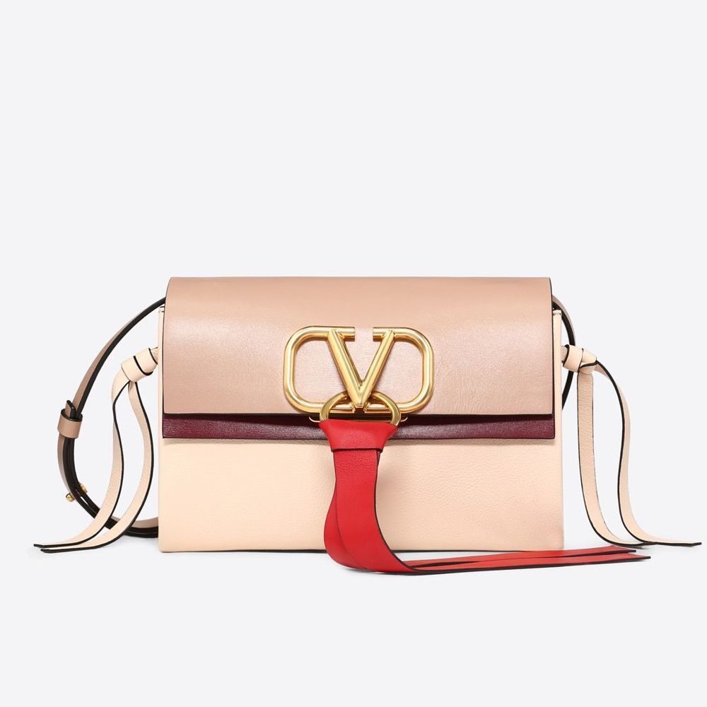 Meghan Markle Valentino V-Ring Pink Bag